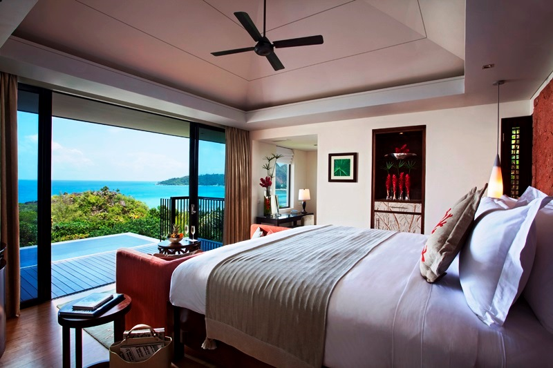 14 15_Ocean_View_Pool_Villa_ _Bedroom_WGfIV
